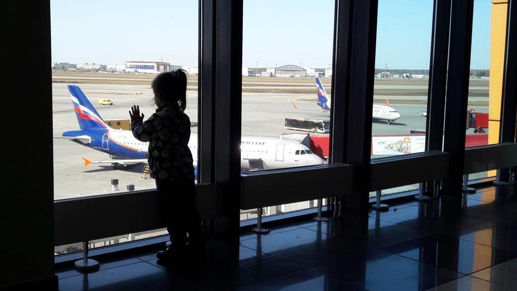 В самостоятельное путешествие с маленьким ребенком – что брать с собой