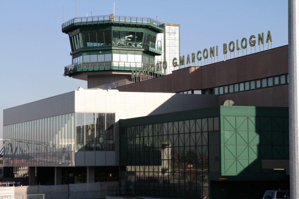 Как добраться из аэропорта Болоньи до центра города
